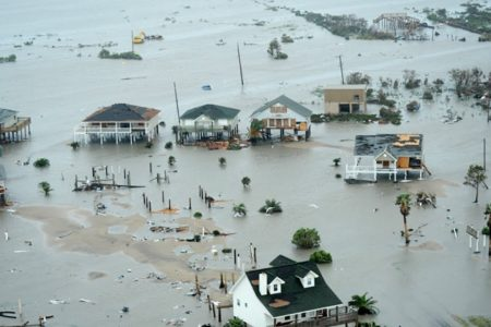 2013: Catastrofele naturale au provocat pagube in valoare de 125 de miliarde dolari