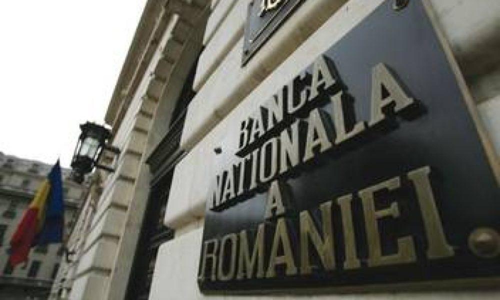 "BNR, gata sa trateze o eventuala ""panica bancara"" cu ""munti de bani vizibili"""